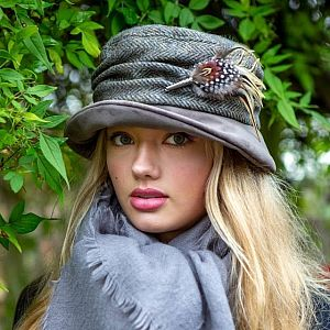 Yorkshire Tweed and Velvet Cloche Style Hat - Grey