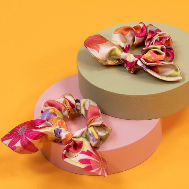 Powder Satin Scrunchies - Retro Meadow Cream x 2, Accessories