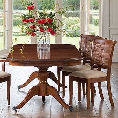 Lille 6-8 Seater Pedestal Table